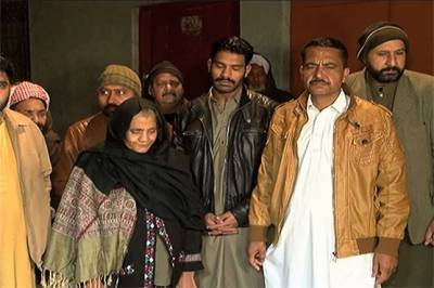 Families of Khalil and Zeeshan, allegedly killed in CTD encounter to meet President