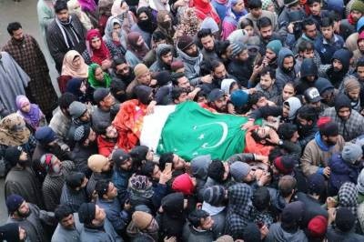 Thousands attend funerals of martyred youth in Baramulla