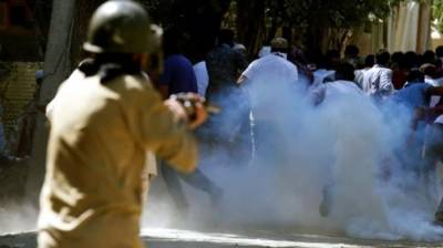 Indian Troops use brute force against peaceful demonstrators in Occupied Kashmir