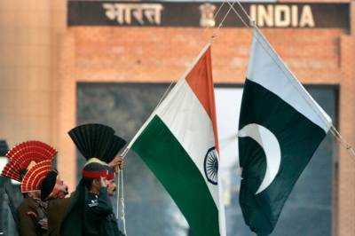 Pakistan puts dialogue on hold with India