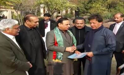 Former APML President Dr Amjad ditches Pervaiz Musharraf, joins PTI