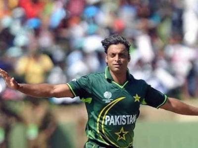 Shoaib Akhtar, fastest bowler in history of cricket vows to make a comeback
