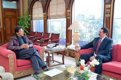 Commander Islamic Military Alliance General (R) Raheel Sharif calls on PM Imran Khan