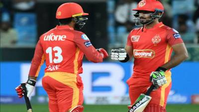 PSL: Islamabad United beat Lahore Qalandars by 5 wickets