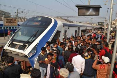 India's fastest train breaks down a day after inauguration by PM Modi