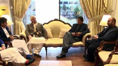 PM, KP CM discuss issues relating to development in province