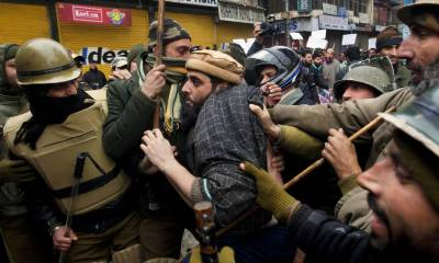 Indian security forces arrest Kashmiri leaders in occupied Kashmir