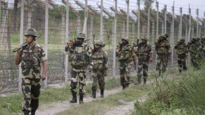 8 Indian soldiers dead bodies including a Captain received at Kashmir hospital
