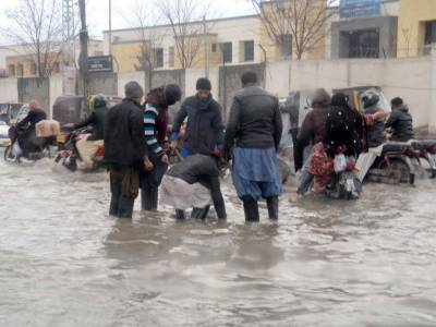 Governor applauds Pak Army, PDMA officials' efforts in flood affected areas