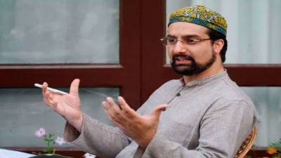 Mirwaiz asks youth to get ready to defend disputed status of Kashmir