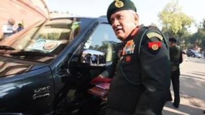 Indian Army Chief meets US Forces Commander, complains against Pakistan