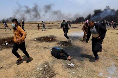 Israeli sniper fire hits at least 42 unarmed Palestinians