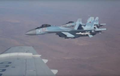 (VIDEO): Russian Air Force Su 35 Fighter Jets caught streaking over Middle Eastern Skies