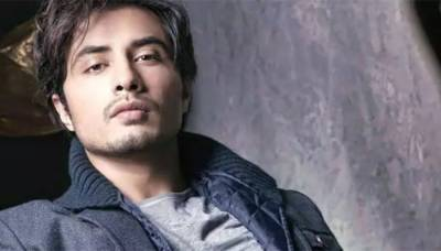 Singer and Actor Ali Zafar bags Music Icon of the Generation Award