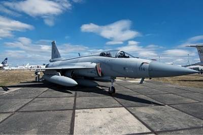 Malaysia to buy two JF 17 Fighter Jets from Pakistan initially for Tests and Evaluation