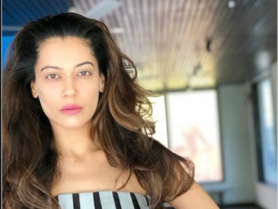 Throw away Muslims from Kashmir, demands disgruntled Indian actress