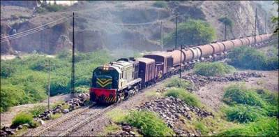 Pakistan Railways freight train coaches derail, senior officers suspended