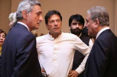 PM Khan gives an indirect snub to FM Shah Mehmood Qureshi