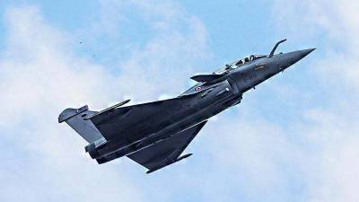Pakistani Air Force pilots being trained on Rafale fighter