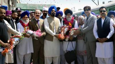 Over 2000 Sikh Yatrees from India arrive in Lahore to participate in annual Besakhi festival