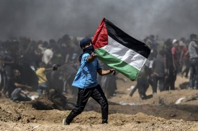 Palestinian teen killed by Israeli fire in border clashes