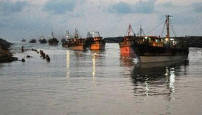 Two boats of Pakistani fishermen overturned in Arabian Sea due strong winds, 12 fishermen missing