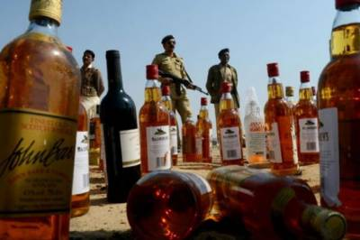 Illegal Alcohol Factory raided in Islamabad, huge quantity of wine and alcohol bottles seized