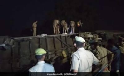 5 injured as 10 coaches of Delhi-bound Train derail near Kanpur, India