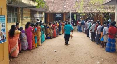 India elections 2019: Millions cast their vote amid reports of violent clashes