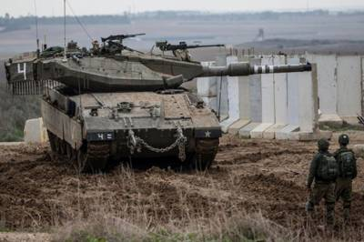 Israel struck Hamas in Gaza with tanks and aircrafts