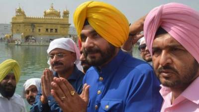 Cricketer turned politician Navjot Singh Sidhu lands into yet another trouble