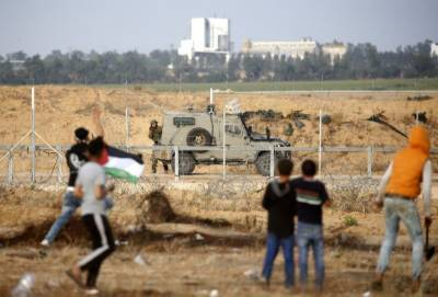 60 Palestinians injured in clashes with Israeli soldiers in eastern Gaza