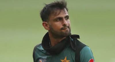 All Rounder Shoaib Malik leaves camp on 10 days emergency leave