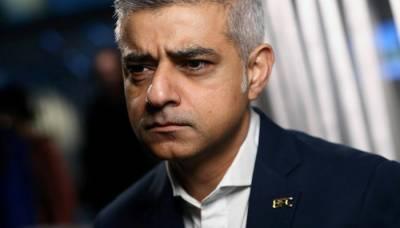 London Mayor Sadiq Khan in hot waters