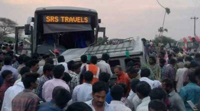 15 killed after bus collides with vehicle in India