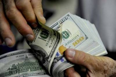 High level emergency meeting held by PM Khan puts dollar back by Rs 2