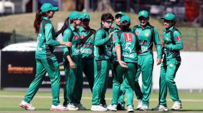Pakistan women team thrashes South Africa in first T20