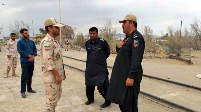 Iran hands back 80 illicit Pakistani immigrants to Levies