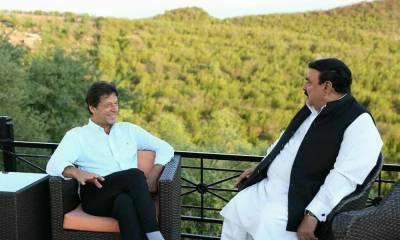 PM Imran Khan rejects Sheikh Rashid's suggestion