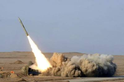 Two Missiles fired over Mecca, Saudi Air defence claims intercepts