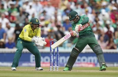 South Africa 's Hashim Amla faces a big setback