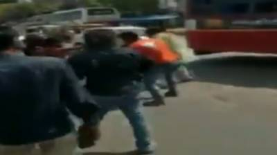 (VIDEO): Indian Army officers abused and brutally thrashed by civilians