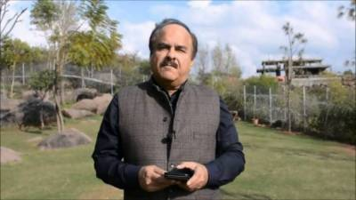 Naeemul Huq lashes out at PTI Ministers
