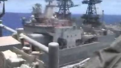 (VIDEO): US and Russian Navy warships face off in South China Sea