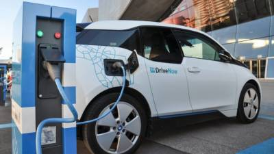 Pakistan to convert to electric cars