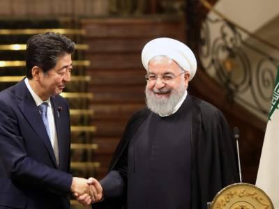 Japan PM to meet Iran's supreme leader seeking to ease US tensions