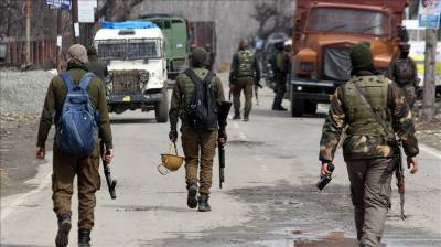 Six Indian soldiers injured in car bomb blast in occupied Kashmir