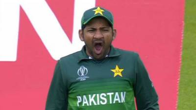 Why Pakistani Captain Sarfraz Ahmed was yawning in world cup match against India? Real reasons revealed