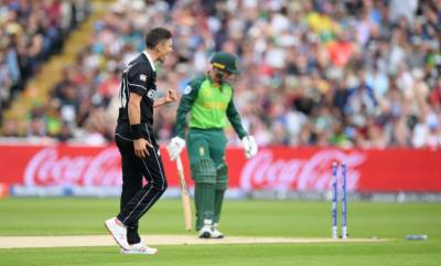 New Zealand defeat South Africa by four wickets