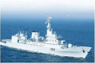 Pakistan Navy warship arrives at middle eastern port